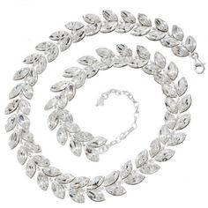 Cercei mireasa cu cristale http://www.bijuteriifrumoase.ro/cumpara/fishtail-necklace-44-elements-cristale-swarovski-1847