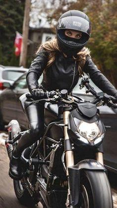 Female Motorcycle Riders, Motorbike Girl, Motorcycle Bike, Women Motorcycle, Motorcycle Outfit, Dirt Bike Girl, Girl Bike, Lady Biker, Biker Girl