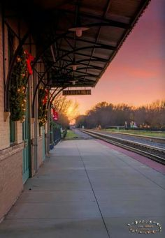 Mineola Train Depot - Mineola, TX