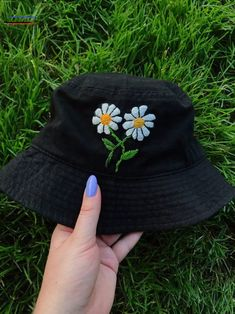 Custom embroidered bucket hat – Source by xiuvu – Hat Embroidery, Embroidery On Clothes, Embroidered Clothes, Embroidery Fashion, Hand Embroidery Designs, Outfits With Hats, Retro Outfits, Custom Clothes, Diy Clothes