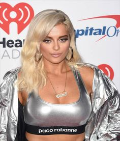Bebe Rexha attends the 2017 iHeartRadio Music Festival at TMobile Arena on September 22 2017 in Las Vegas Nevada Bebe Rexha, Leather Trousers Outfit, Salma Hayek Style, Celebrity Stars, Curvy Outfits, Female Singers, Pretty Woman, Asian Beauty, Girl Models