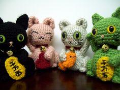 Maneki Neko crochet! Adorable!