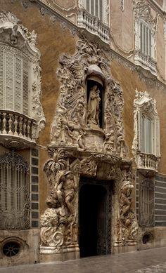 Museo Nacional de Cerámica y Artes Suntuarias / Palacio del Marqués de dos Aguas, València, Spain