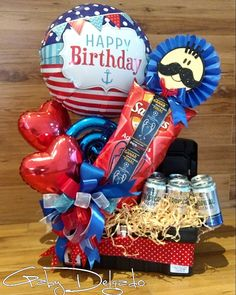 Birthday Gift Baskets, Birthday Gifts, Happy Birthday, Valentine Crafts, Christmas Crafts, Photos Booth, Balloon Flowers, Candy Bouquet, Fathers Day Crafts