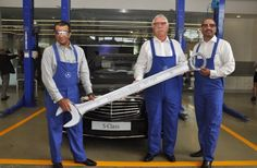 Maintaining its philosophy of 'Best or nothing' Mercedes Benz inaugurated one of the largest workshops by any luxury car dealer at Andheri (east) Mumbai. The workshop spanning over 100,000 sq. ft was inaugurated by Mr. Peter Honegg and Mr. Mohan Mariwala. This workshop was built at a cost of Rs. 520 million.