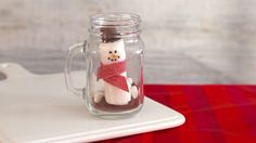 Check out these homemade food gifts for the holidays that include jarred baking mixes, spices, fudge and more at Genius Kitchen. Homemade Food Gifts, Edible Gifts, Cranberry Orange Cookies, Diy Holiday Gifts, Christmas Gifts, Christmas Goodies, Holiday Ideas, Office Christmas, Christmas Gingerbread