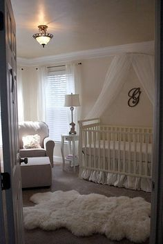 underbart vitt babyrum
