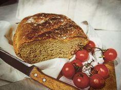 Špaldový chlieb Russian Recipes, Banana Bread, Lunch, Desserts, Food, Polish, Basket, Kitchens, Drinks
