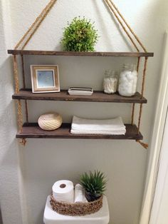 24 DIY Bathroom Wall Shelves Design And Organization Ideas - DEXORATE Currently floating wall shelves are interesting in the world of interior design. This type of wall shelves can be placed in various rooms in your residence, such as in … Bathroom Wall Shelves, Floating Wall Shelves, Wall Shelves Design, Diy Wall Shelves, Diy Bathroom Decor, Diy Wall Decor, Diy Home Decor, Glass Shelves, Bathroom Storage