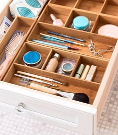 Organized Bathroom Drawers with Dividers