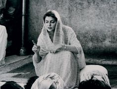 Maharani Gayatri Devi - Rajmata of Jaipur Rare Photos, Vintage Photos, Maharani Gayatri Devi, Essence Of India, Royal Indian, Indian Princess, States Of India, Indian Colours, Vintage India