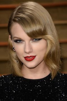 Taylor Swift Blonde Long Hairstyles Taylor-Swift-Long-Bo