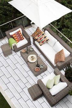 Polbruk Linea efektowne płyty tarasowe wykonane metodą wet-cast (mokrego betonu), estetyczne i wytrzymałe. Faktura trawertynu