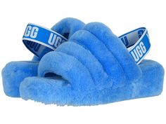 Lammfell Pantoffeln UGG Fluff Yeah Slide Damen Hausschuhe Neon Blue Threader Earrings -- a Fashion J Ugg Sandals, Ugg Shoes, Fuzzy Sandals, Sandals Outfit, Sport Sandals, Cute Uggs, Cabello Afro Natural, Fluffy Shoes, Ugg Style Boots