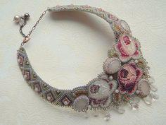 Купить Английский сад - колье, розы, розовый, бисер, кварц розовый