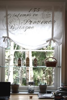 Eldrids valance with french script