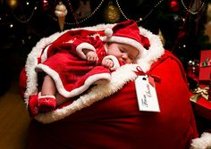 Deb posted Christmas baby photography to their -photo ideas- postboard via the Juxtapost bookmarklet. Baby Christmas Photos, Babies First Christmas, Kids Christmas, Merry Christmas, Christmas Cards, Xmas Photos, Xmas Holidays, Christmas Birthday, Christmas Presents