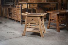Dizajnový stolík TIBET SIDE TABLE.