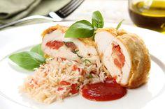 Przepis na Filety z kurczaka w parmezanowej panierce z pomidorami i serem