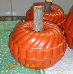 528 best diy pumpkin tutorials images on pinterest fall crafts deanies stash mini molds magically turn into delightful pumpkins halloween ornamentsfall halloweendiy solutioingenieria Choice Image