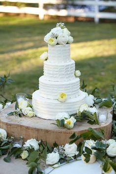 www.cedarwoodweddings.com. Cake designed by Patty Cakes. Photo by Aspen Photography.