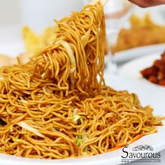 10 minutes easy Lo Mein noodles meals for supper 10 minutes easy Lo Mein noodles - Savourous Easy Chinese Recipes, Asian Recipes, Chinese Desserts, Easy Noodle Recipes, Chinese Noodle Recipes, Easy Desserts, Dessert Recipes, Easy Lo Mein Noodles, Recipe For Low Mein Noodles