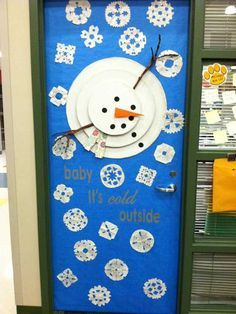 Classroom door for the winter months inspired a card i saw on winter door decorations Decoration Creche, Christmas Door Decorations, Christmas Crafts, Christmas Door Decorating Contest, Christmas Carnival, Class Decoration, Snowman Crafts, Winter Christmas, Preschool Bulletin