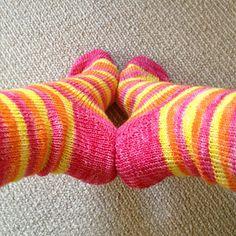 Ravelry: Fish Lips Kiss Heel pattern by Sox Therapist Source by bipz Stitch Patterns, Knitting Patterns, Knitting Ideas, Ravelry, Socks And Heels, Ankle Socks, Lip Shapes, Cat Pattern, Pattern Names