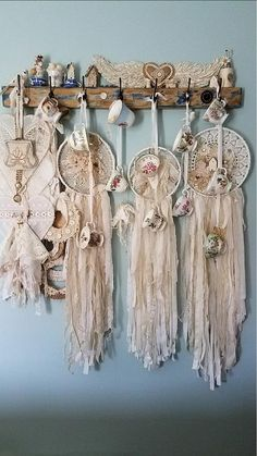 21 Best ideas for crochet doilies display shabby chic White Embroidery, Vintage Embroidery, Vintage Crochet, Embroidery Designs, Lace Dream Catchers, Dream Catcher Boho, Crafts To Make, Diy Crafts, Embroidery Scissors