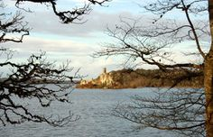 Castle on the Lough by Quinzy