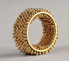 Rings Ideas : Erik Urbschat Hedgehog FlourishRing in yellow gold 2160 Contemporary Jewellery, Modern Jewelry, Jewelry Art, Jewelry Rings, Silver Jewelry, Jewelry Accessories, Fine Jewelry, Jewelry Design, Designer Jewellery