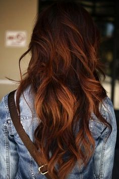 These long auburn balayage truly are amazing Auburn Ombre Hair, Auburn Hair With Highlights, Auburn Balayage, Red Bayalage, Auburn Red, Autumn Hair Color Auburn, Brown Hair Copper Highlights, Copper Bayalage, Baylage Ombre