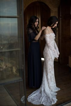 Browse our large selection of elegant wedding dresses, vintage and lace wedding dresses, find the perfect wedding dresses for your wedding. Perfect design and high quality will make you the happiest and most beautiful bride in the world. Kate Wedding Dress, Sexy Wedding Dresses, Wedding Gowns, Wedding Day, Wedding Tips, Wedding Ceremony, Budget Wedding, Red Wedding, Wedding Attire
