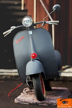 acma - Kristina Mai - Google+ Vespa P200e, Piaggio Scooter, Vespa Vbb, Scooter Motorcycle, Vespa Scooters, Lml Star, Classic Vespa, Classic Bikes, Scooter Custom