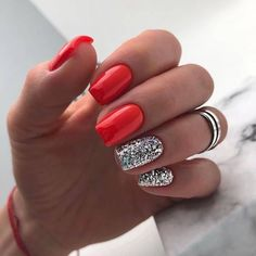 Red Gel Nails, Glitter Gel Nails, Oval Nails, Hot Nails, Cute Acrylic Nails, Hair And Nails, Red Nails With Glitter, Sassy Nails, Trendy Nails