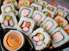 Sushi at the cinema, for more sushi pics follow me here:@makesushiorg #sushi #entertainment