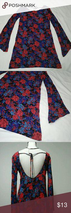 "Open Back Bell Sleeves Floral Textured Dress Forever21 open back and bell sleeves with floral design textured dress with upper back string tie. Colors: red, black, blue  Measurements:  Length 31"" Chest 18.5"" Forever 21 Dresses"
