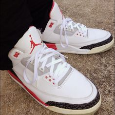 6aed2fa2d079f8 Air Jordan Retro III Fire Red  sneakers  jordan  airjordan Air Jordan  Sneakers