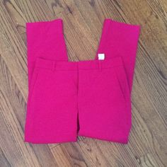 Hot Pink pants! In good condition Super fun hot pink pants with small ankle slits. Good condition! Zara Pants Ankle & Cropped