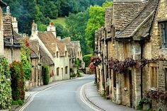 Cotswolds, England.....I love this, it's just so quaint, it's like it's from a Charles Dickens story........
