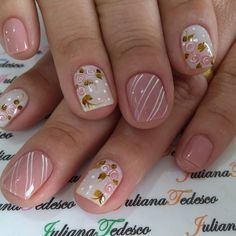 La imagen puede contener: una o varias personas y primer plano Spring Nail Art, Nail Designs Spring, Toe Nail Designs, Wow Nails, Cute Nails, Pretty Nails, Types Of Nails, Beautiful Nail Designs, Flower Nails