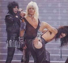 Mick Mars, Vince Neil, and Tommy Lee Mötley Crüe 80s Metal Bands, 80s Hair Metal, Hair Metal Bands, 80s Hair Bands, Tommy Lee Motley Crue, Mick Mars, Vince Neil, Metal Fashion, Nikki Sixx