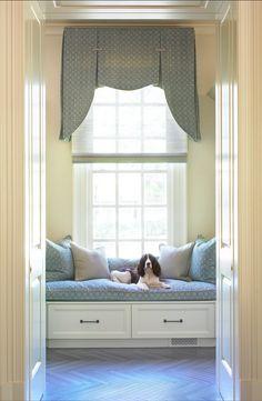 #Mudroom  #window-seat  #Interiors