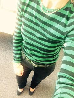 Love this shirt/belt combo...