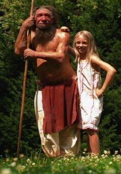 Neanderthaler mit Mädchen , Neanderthal Museum, Mettmann
