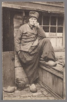 30 Vintage Photographs of Dutch Men in Traditional Volendam Worker Pants ~ vintage everyday Old Pictures, Old Photos, Vintage Photographs, Vintage Photos, Dutch Tattoo, Dutch Women, Dutch People, Great Photographers, Aesthetic Vintage