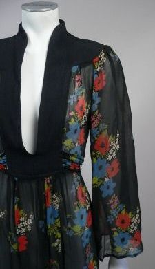 Ossie Clark w/ Celia Birtwell print dress detail