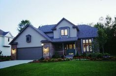 House Plan 402-00142 - Traditional Plan: 1,995 Square Feet, 4 Bedrooms, 2.5 Bathrooms