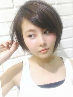 【ビサージジェニユイン】40代におすすめ前髪横流しショートボブ