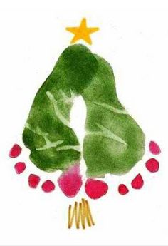 Toddler Holiday Crafts: Baby Feet Christmas Tree! / http://craftrookie.blogspot.ca/2011/08/christmas-in-august.html